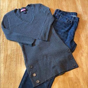 Gray super cute sweater.